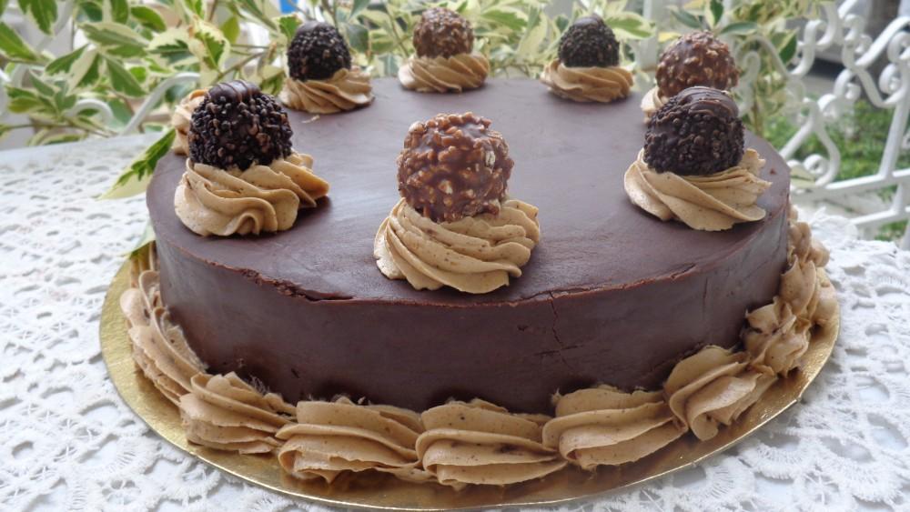 G teau noisette chocolat au ferr ro rocher g teaux d lices - Decoration gateau au chocolat ...