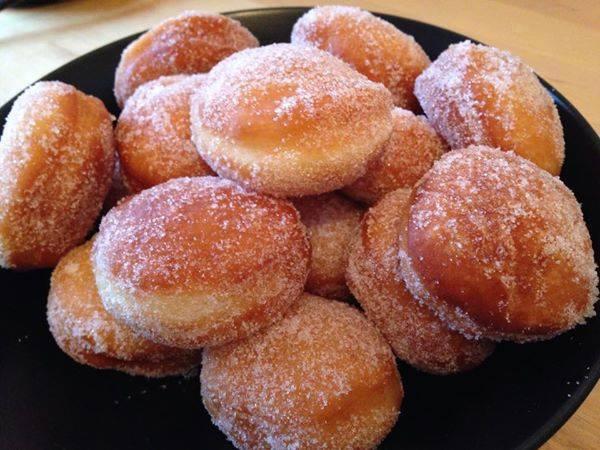 Petits beignets super moelleux g teaux d lices - Beignet leger et moelleux ...