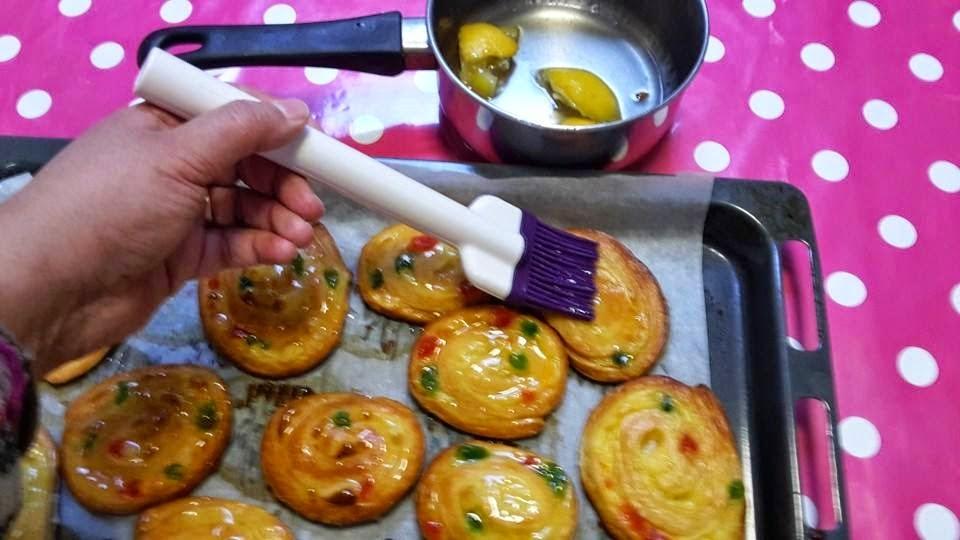 Escargots à la crème pâtissière et aux fruits confits7