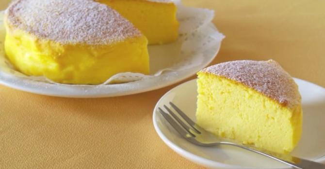 Soufflé Cheesecake avec seulement 3 ingrédients