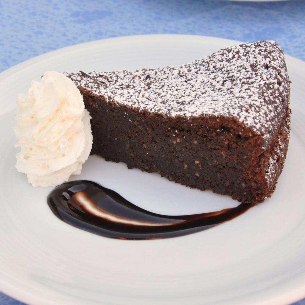 Torta caprese (gâteau au chocolat et aux amandes)3