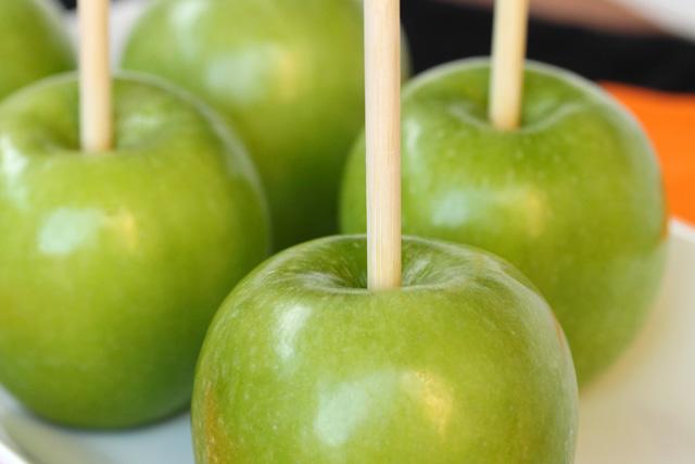 Pommes aux caramel pour les enfants2