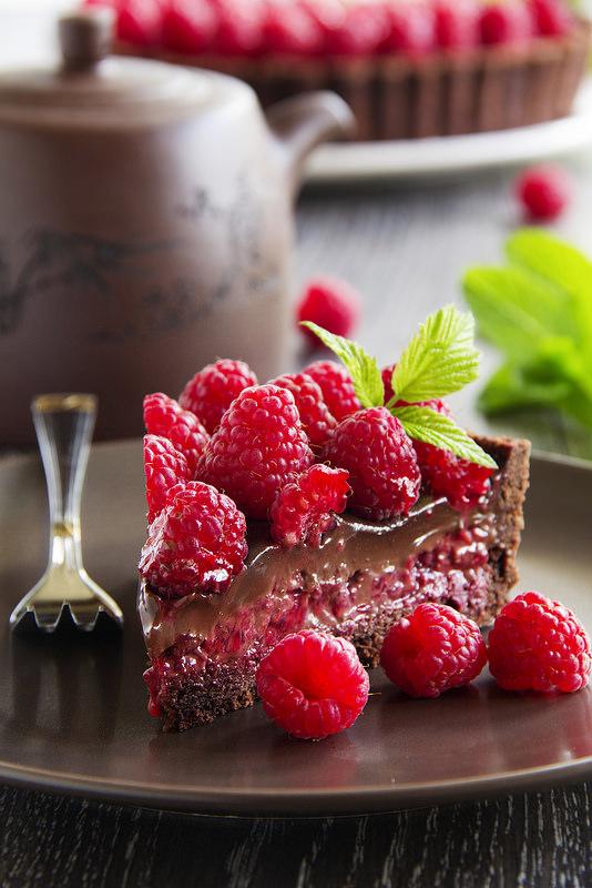 Tarte au chocolat et framboises3