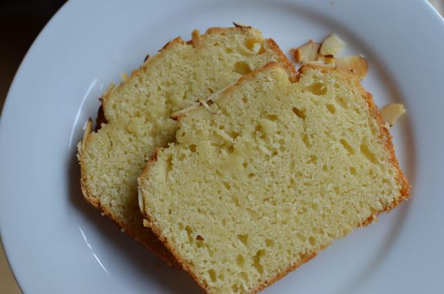 Cake aux amandes et yaourt1