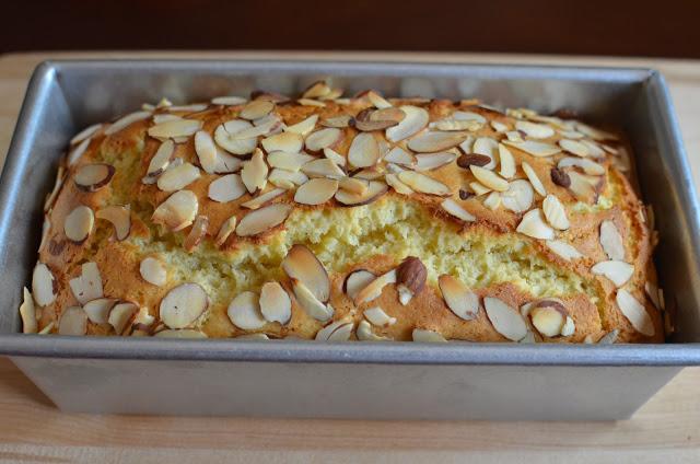 Cake aux amandes et yaourt2
