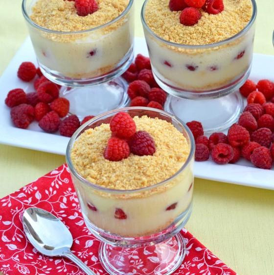 Verrines gourmandes aux framboises et crème pâtissière4