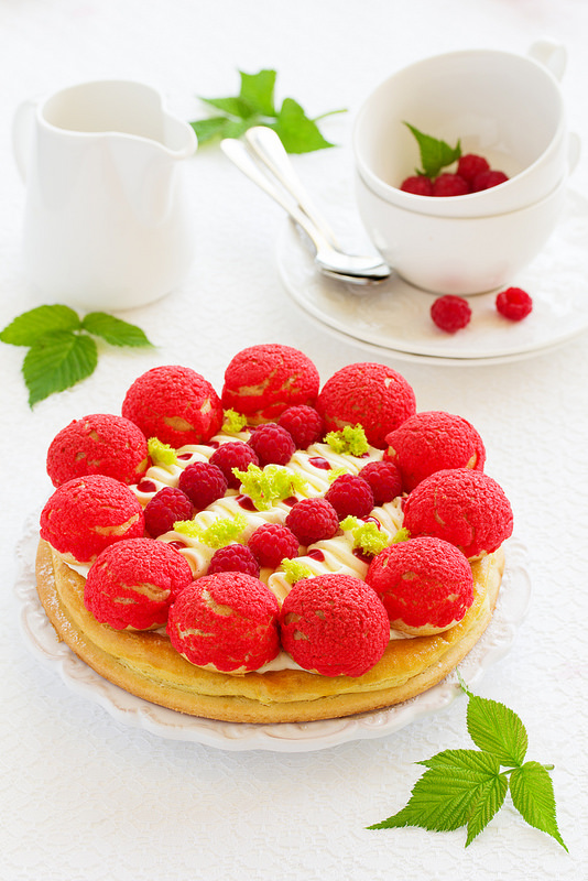 Gâteau Saint Honoré aux framboises3