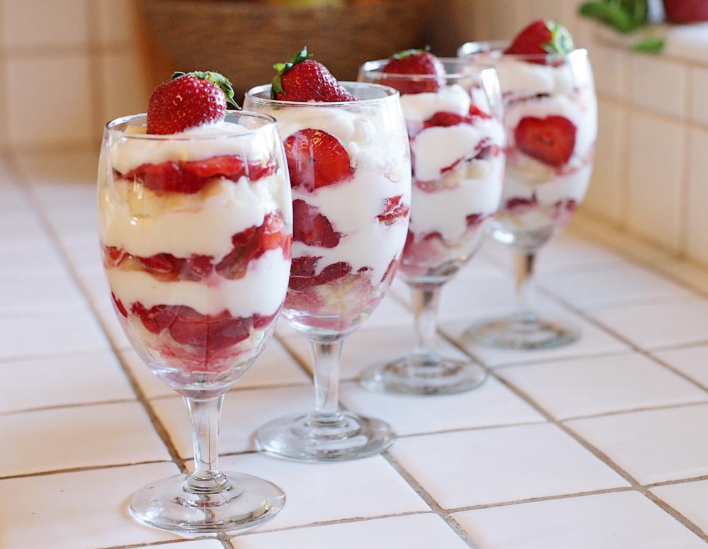 Shortcake aux fraises en verrines1