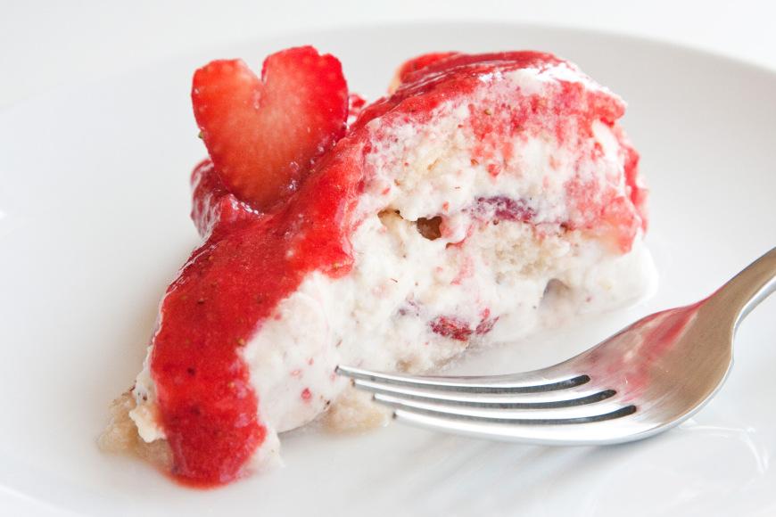 charlotte-aux-fraises-et-a-la-creme-anglaise-mousseuse4