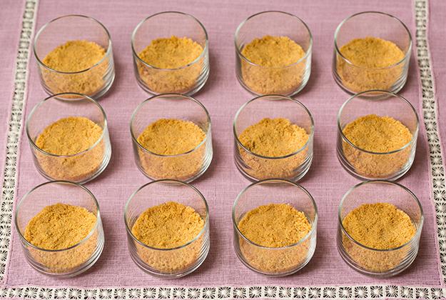 verrines-de-creme-bananes-et-caramel-beurre-sale2
