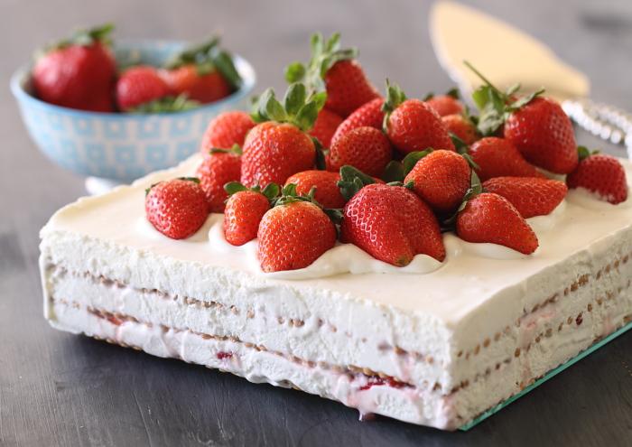 Gâteau aux Petit Beurre et fraises1