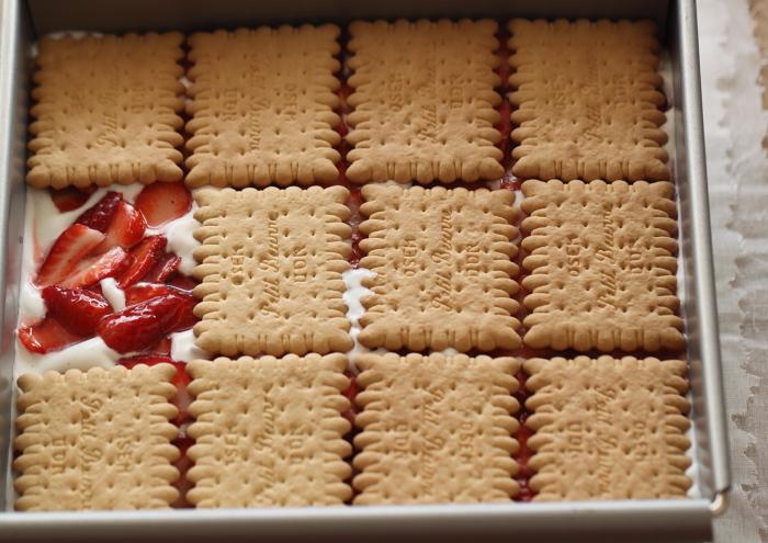 Gâteau aux Petit Beurre et fraises6