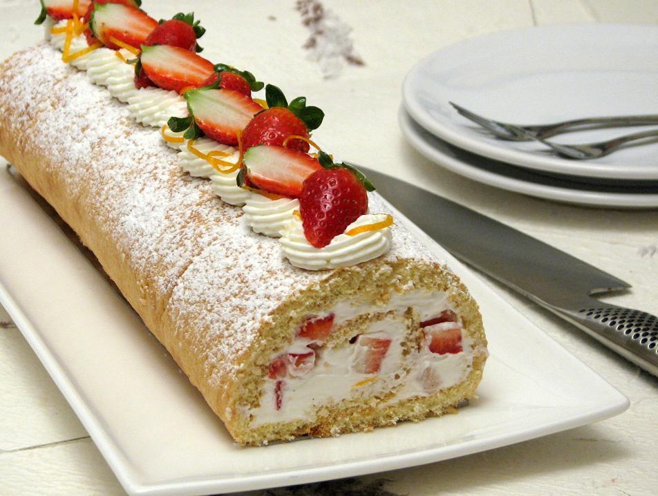 Gâteau roulé aux fraises1