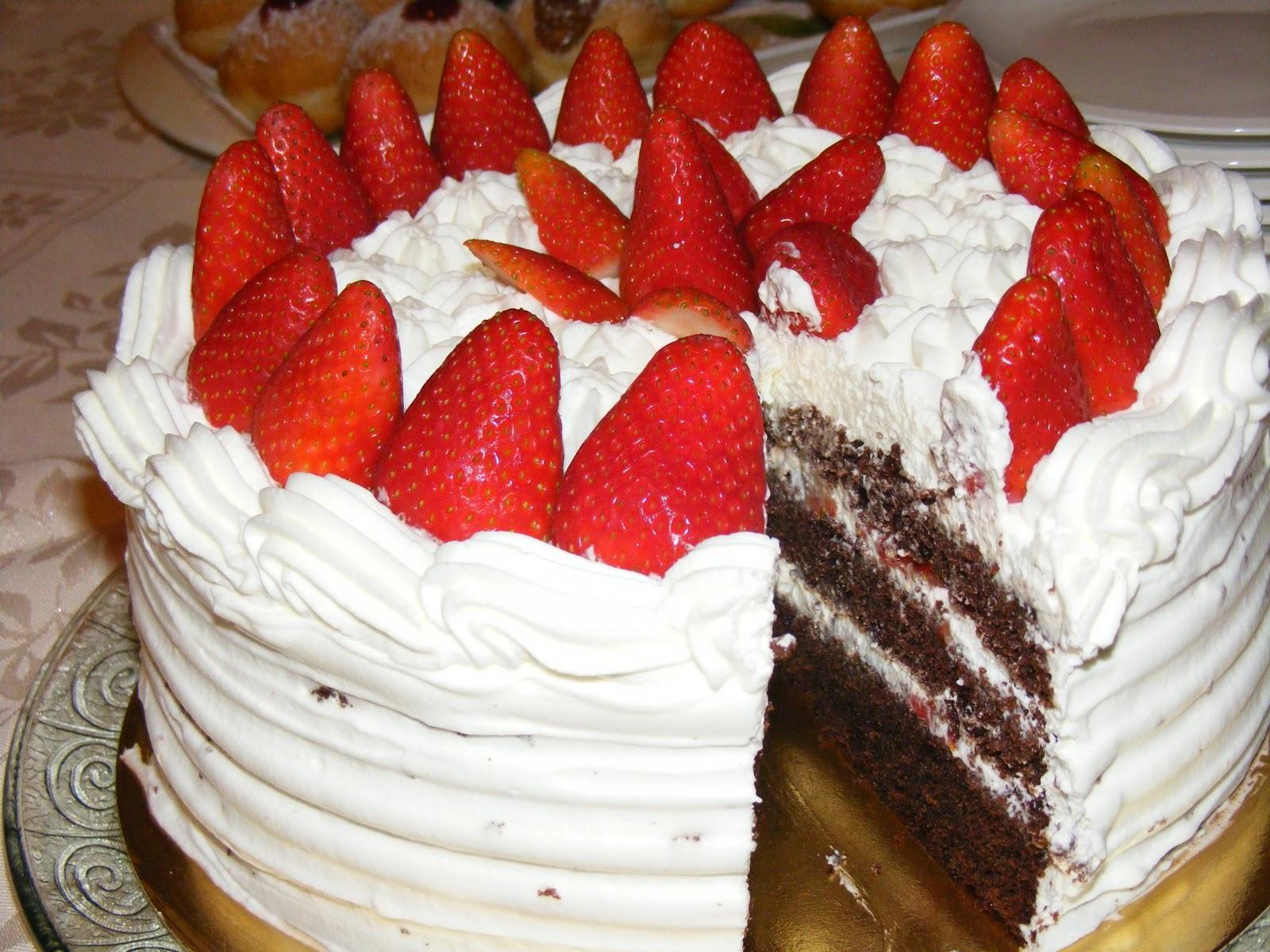 Layer cake fraises chocolat et chantilly au mascarpone1