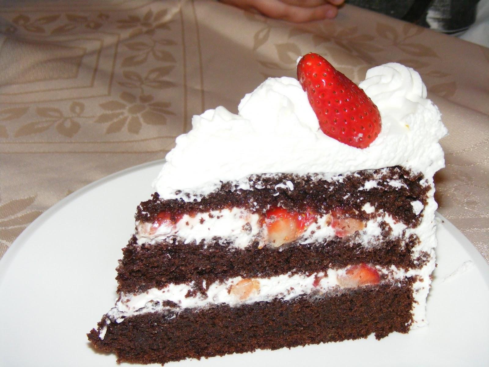 Layer Cake Fraise Chantilly Chocolat Blanc
