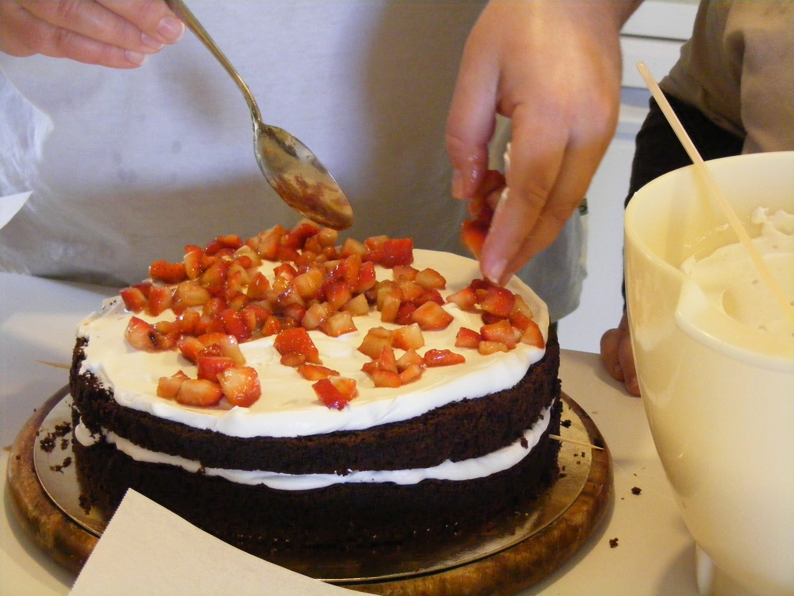 Layer cake fraises chocolat et chantilly au mascarpone8